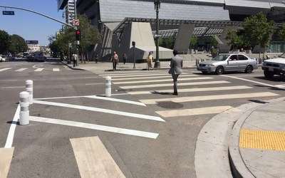 Curb extension - Main Street and First Street Intersection, LA
